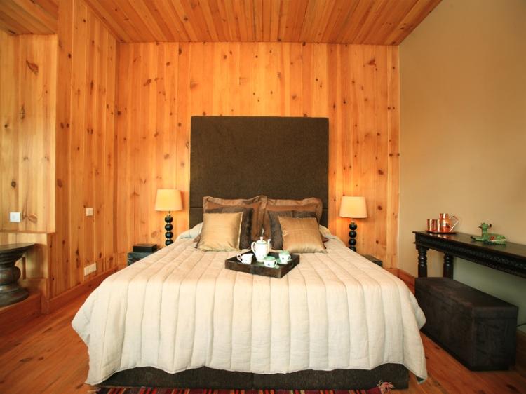 Cedar suite, Rhododendron Cottage
